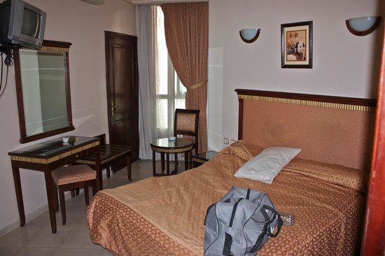 Maamoura Hotel: Single/Double room.