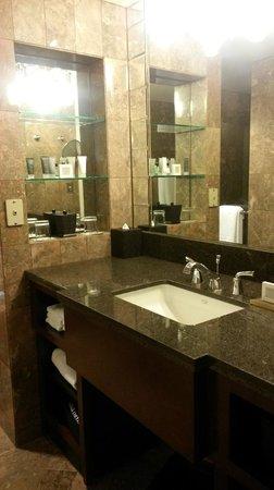 JW Marriott San Francisco Union Square: salle de bain