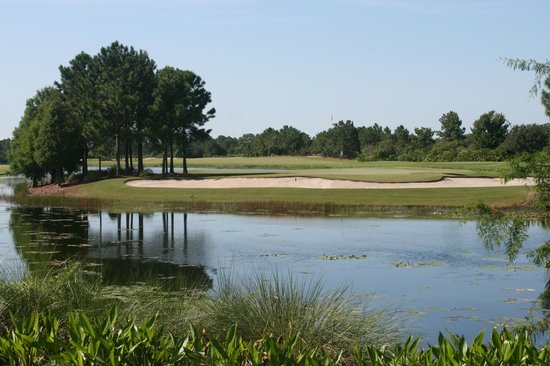 Marriott's Lakeshore Reserve : Golf course across the pond
