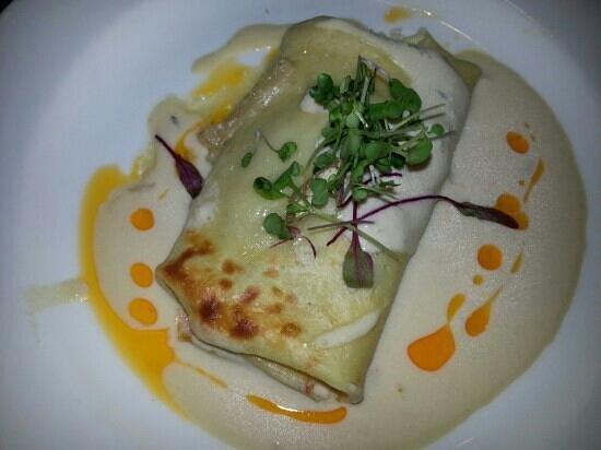 Restaurant Medure: wild mushroom crepe, micro greens with paprika oil