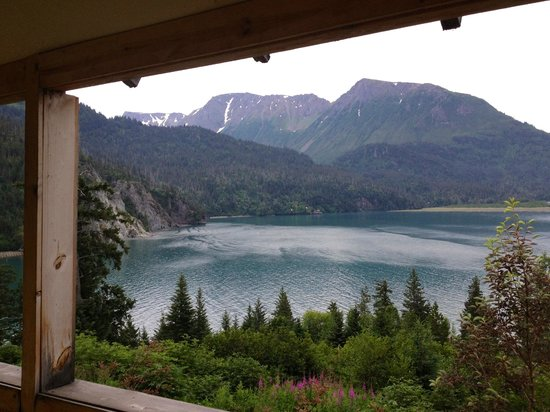 Hideaway Cove Wilderness Lodge: View from the chess/lounge room!!