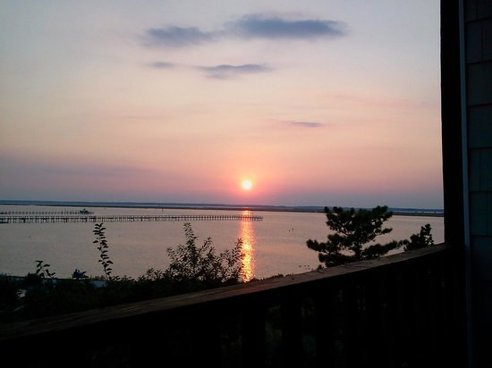 Waterside Inn: Loved my stay...sunsets are amazing!!