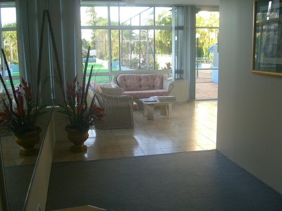 Fairthorpe Apartments : View of Foyer