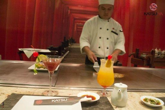 Katsu-Ya: Chef cocinando directamente en tu mesa