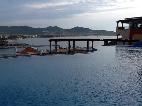 The Ridge at Playa Grande Luxury Villas: infinity pool