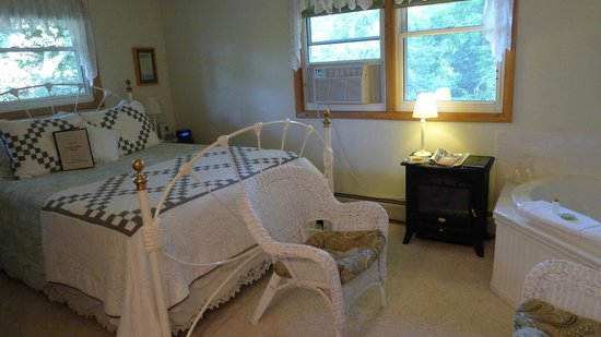Bowman's Oak Hill Bed & Breakfast: Gracie's Garden