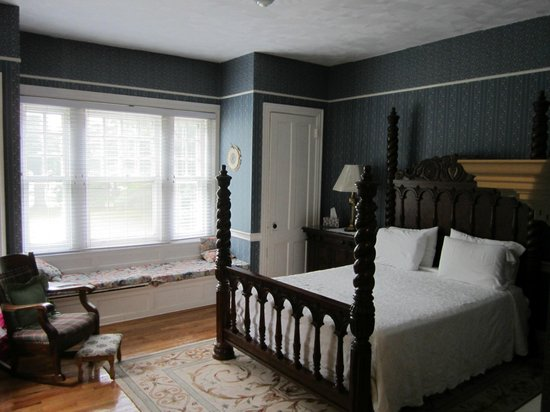 Kane Manor Country Inn: Blue Room