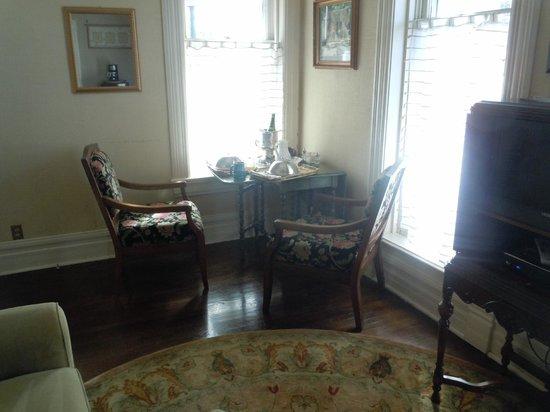 1890 Williams House Inn: Turret Suite--breakfast corner