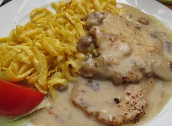 Hotel Goldenes Lamm: Jager schnitzel was decent