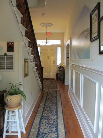 EJ Bowman House Bed and Breakfast: Looking back towards the front door from Guest entrance