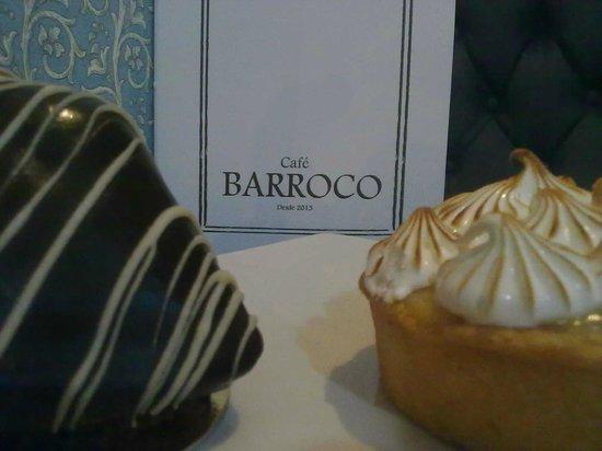 Cafe Barroco: La pirámide y la tartaleta de maracuyá son deliciosos