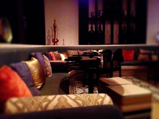 Mazadar Kabob : lovely dining room