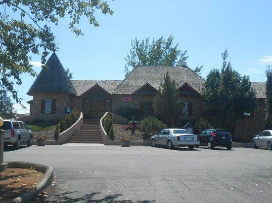 Carmela Winery Restaurant : The Restaurant and tasting room