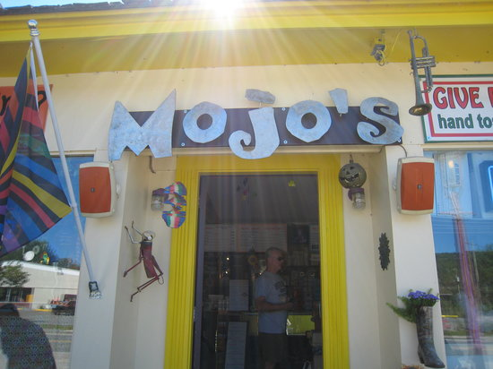 Mojo To Go : Mojo's sign