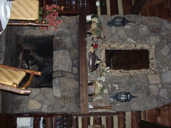 Rustico at the Log Cabin: Main dining room with fireplace