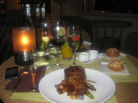 Carbon Beach Club Restaurant: Yummy Steak dinner