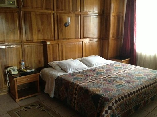 Hostal Los Yutzos: queen/king bed which was comfortable