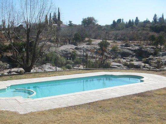 Costa Serrana : Pool near river