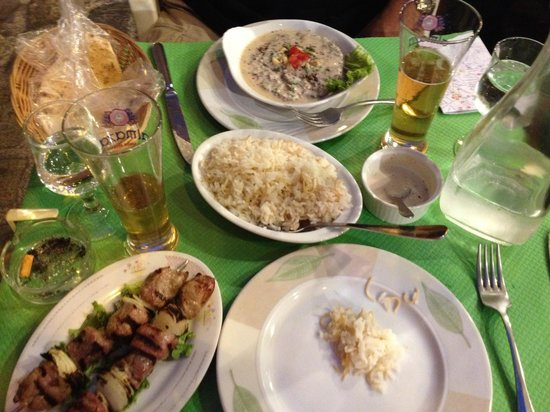 Antioche: Kefta with cream, lamb spits and rice.