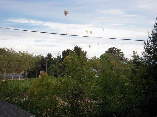 Senza Hotel: Early Morning Balloons