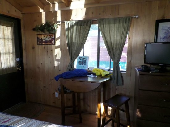 Lake View Lodge: Cabin # 8