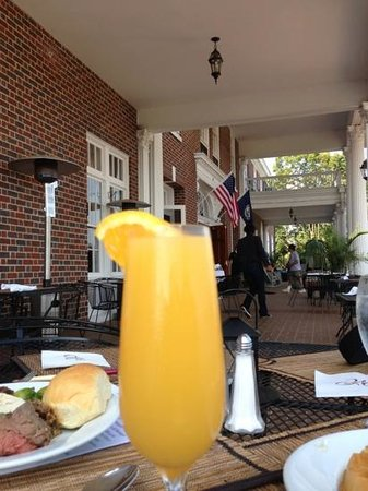 The Mimslyn Inn : a Mimosa with breakfast