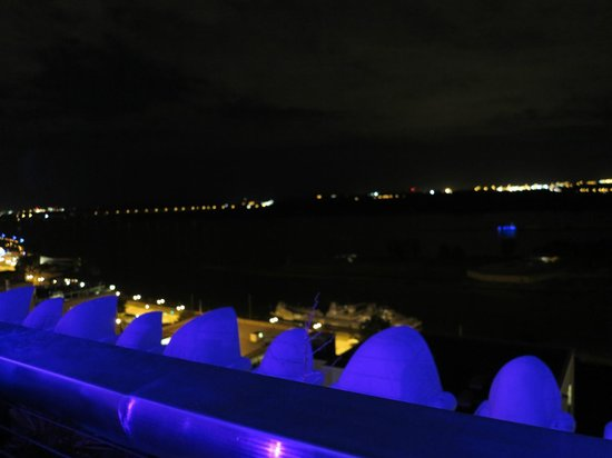 Madison Hotel: View from the Rooftop terrace