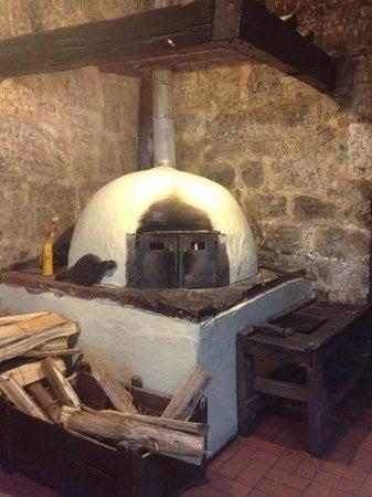 Los Lenos Pizzas y Pastas: el horno de barro a leña!