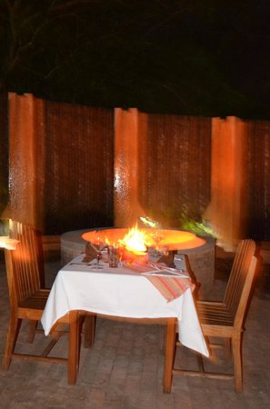 Ka'ana Resort: special dinner by fire pit
