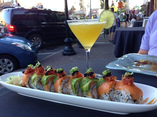 Five Fusion & Sushi Bar : Geisha roll and angry mango cocktail with infused habanero vodka