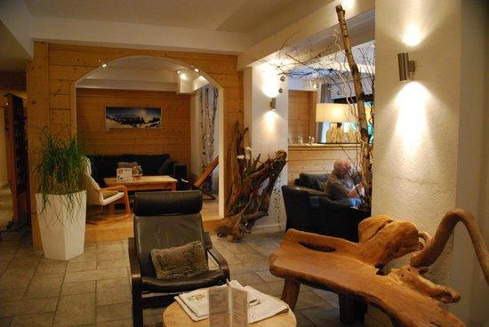 Hotel Les Campanules : Lobby