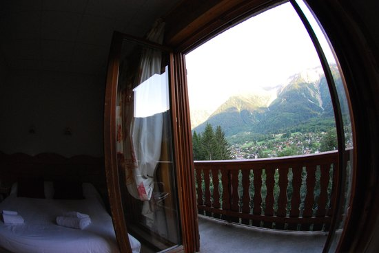 Hotel Les Campanules : View from the room