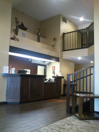 Red Roof Inn Fargo: Reception Front Desk
