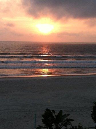 Days Inn Daytona Oceanfront: sunrise