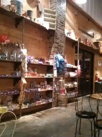 Candyland Cottage & Ice Cream Shoppe: Candy