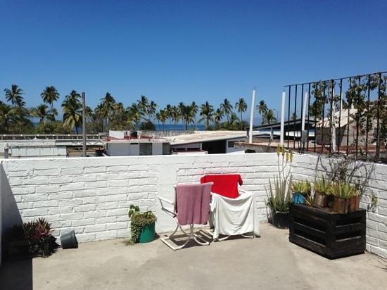 Bed & Pizza- youth hostel: vista desde la terraza de arriba en el día (a 2 cuadras de la playa)