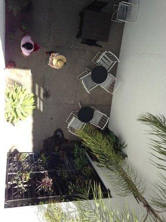 Bed & Pizza- youth hostel: vista desde la terraza hacia mesitas d abajo
