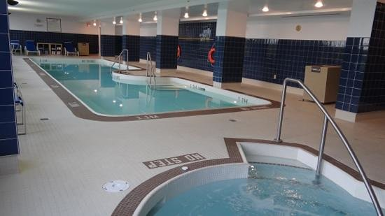 Edmonton Marriott at River Cree Resort: piscine interieur et spa
