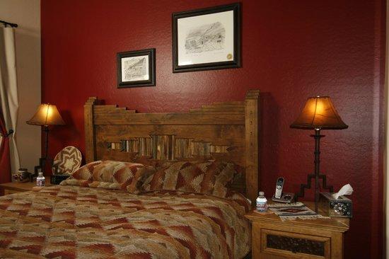 Orange Blossom Hacienda Bed & Breakfast: McKellips Room Orange Blossom Hacienda
