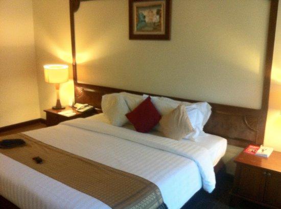 Nora Beach Resort and Spa: Habitación