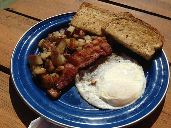 The Big Bend Cafe : Egg, bacon plate