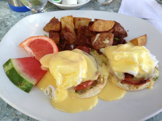 Whitetooth Mountain Bistro: Godfather Benedict