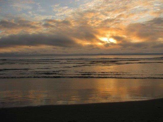 Inn at the Shore: Seaside sunset