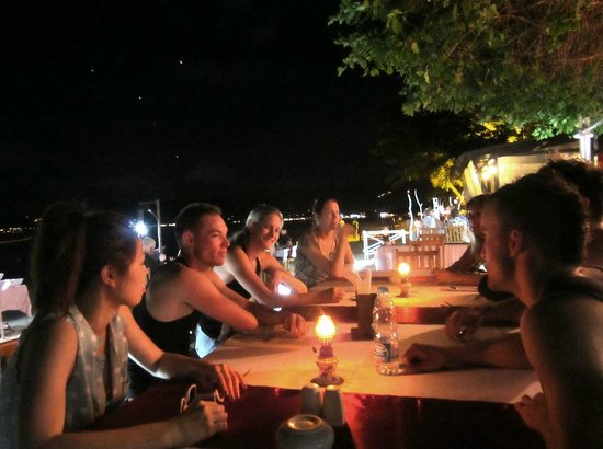The Island Resort and Spa : Dining area on the beach
