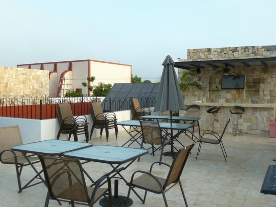 hotel colonial la aurora : Sundeck