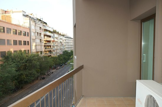Mercure Alberta Barcelona: Балкон.