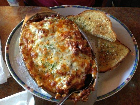 Emo's Pizza & Steak House: Baked lasagna