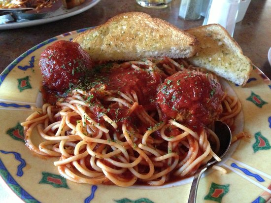 Emo's Pizza & Steak House: Spaghetti and meatballs