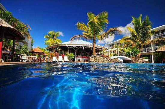 The Melanesian Port Vila: Pool & Oasis Bar