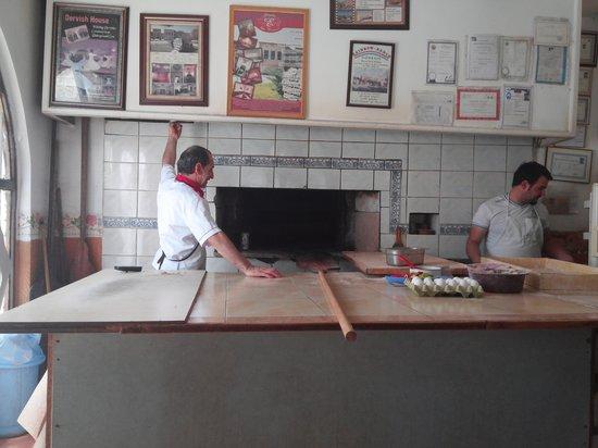 Firin Express: kitchen